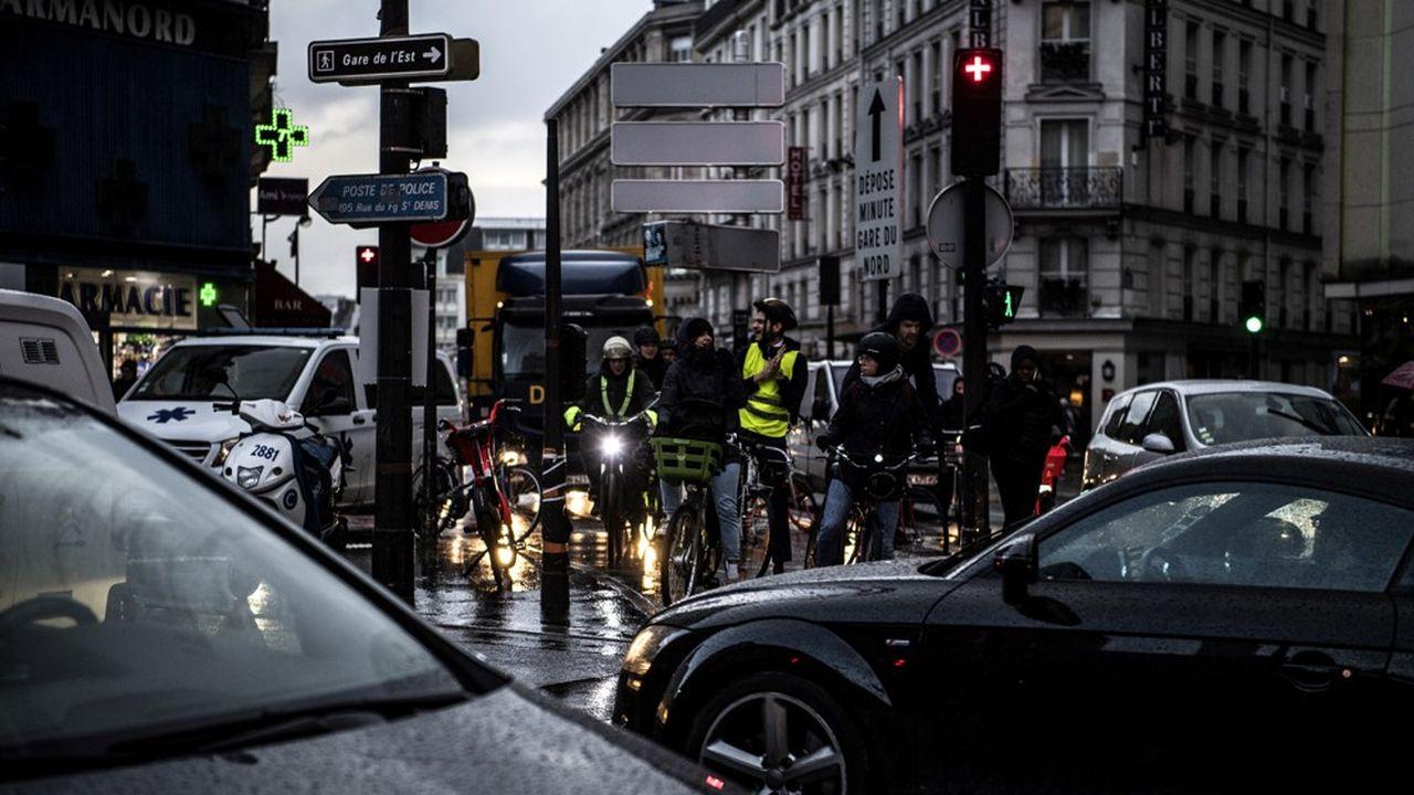 La SNCF et la RATP annoncent, pour ce mardi, des conditions encore plus difficiles que la veille pour les déplacements des Franciliens.