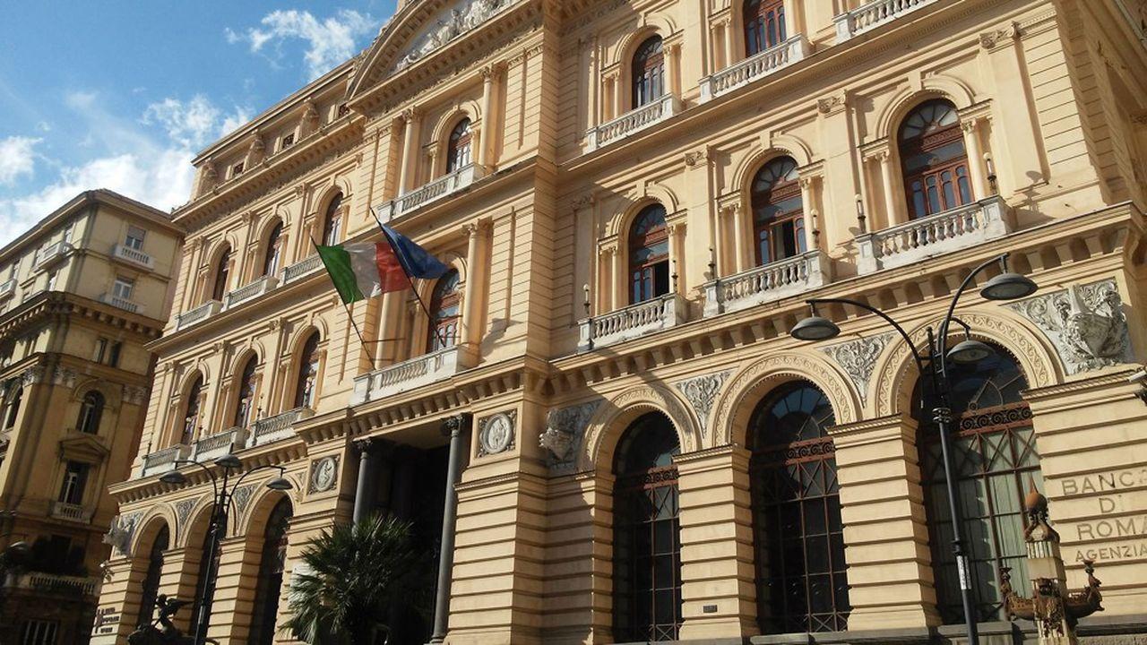 L'Italie a adopté dimanche soir un décret pour voler au secours de Banca Popolare di Bari, se donnant la possibilité d'injecter jusqu'à 900millions d'euros dans la banque régionale.
