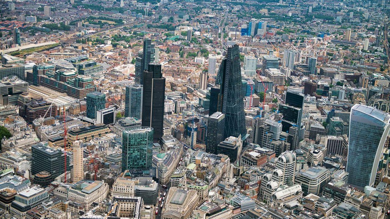 Sept établissements ont été passés en revue: HSBC, Barclays, Royal Bank of Scotland, Lloyds Banking Group, Standard Chartered, Santander UK et Nationwide.