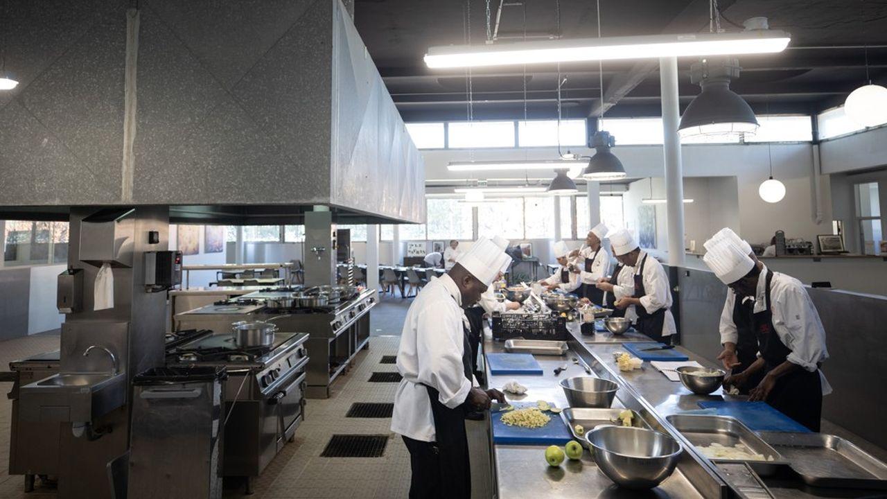 Sur le modèle des restaurants d'application des lycées hôteliers, «le Safran» permet aux élèves de développer et de montrer leur savoir-faire.