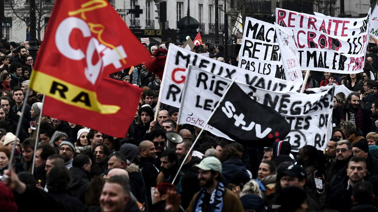 Le défilé parisien s'est déroulé de la place de la République à celle de la Nation.