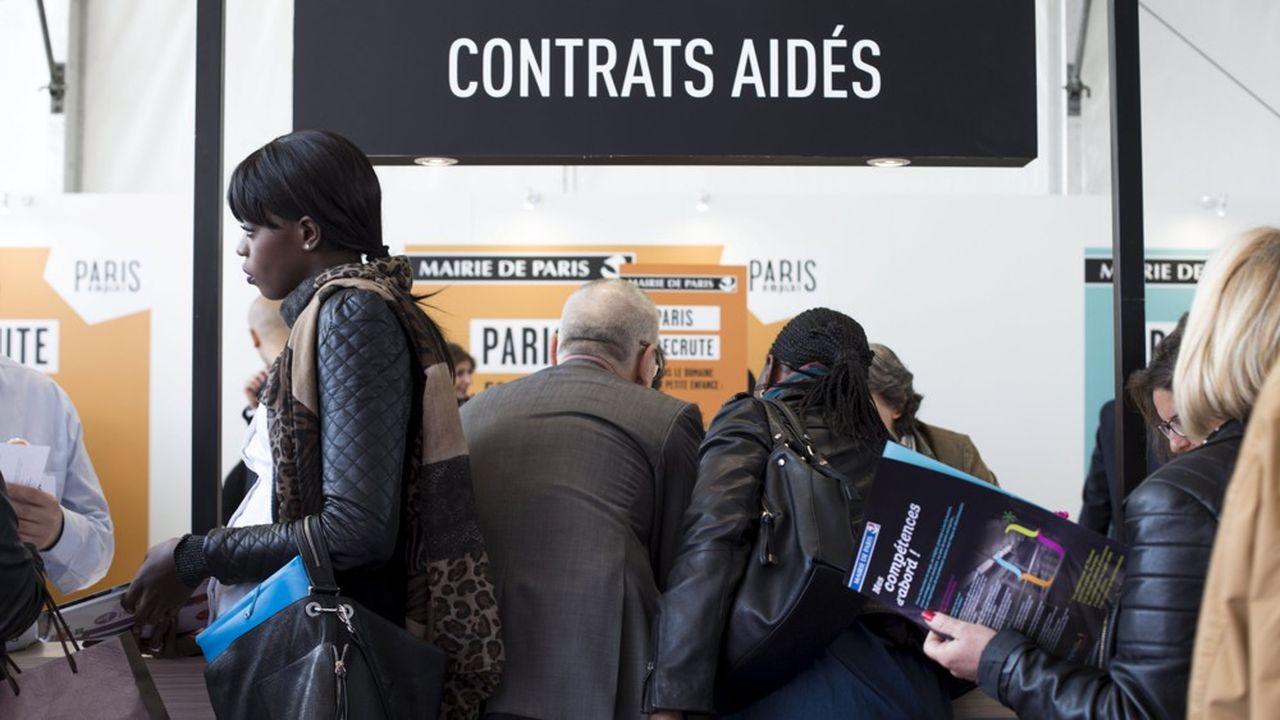Nombre d'emplois aidés auraient vu le jour sans subvention, selon l'Insee.