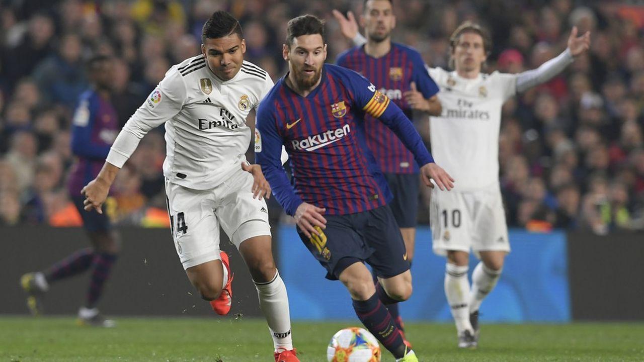 Le match entre le FC Barcelone et le Real Madrid a déjà été reporté une première fois, fin octobre, par crainte de débordements alors que la Catalogne était secouée par d'importantes manifestations.