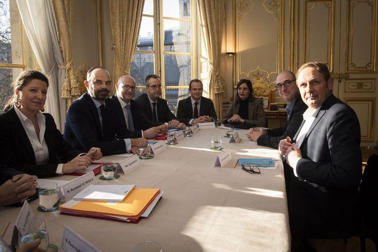 Laurent Escure, secrétaire général de l'Unsa rencontre Edouard Philippe, le Premier ministre, Agnès Buzyn, ministre de la Santé, et Laurent Pietraszewski, secrétaire d'Etat aux Retraites.