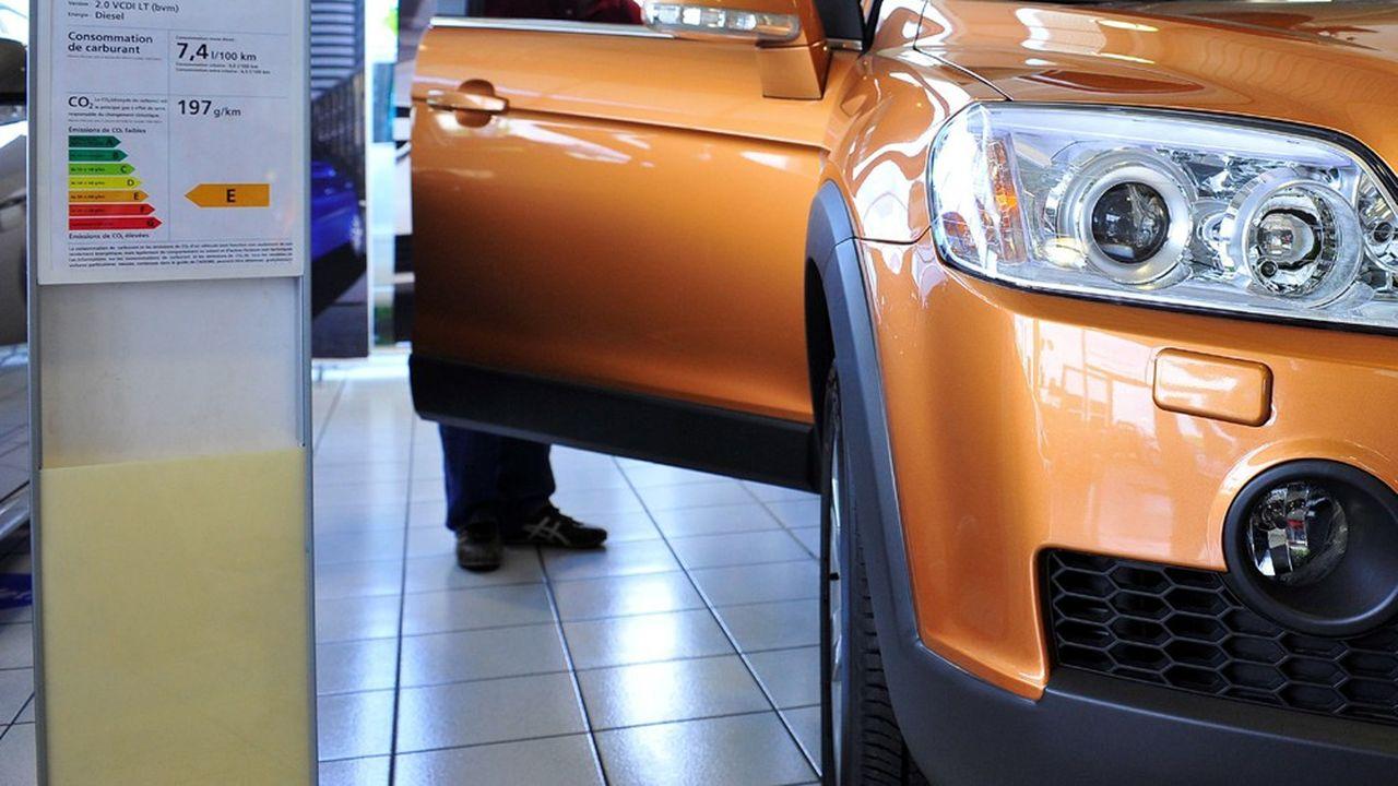 Le «supermalus» prévoit des pénalités allant jusqu'à 20.000euros pour l'achat d'un véhicule émettant plus de 184 grammes de CO2 au kilomètre.