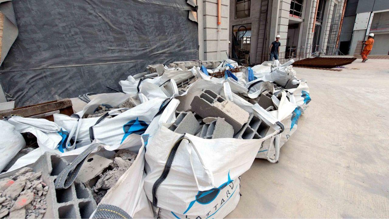 Selon le ministère de la Transition écologique, le secteur du bâtiment produit à lui seul 227millions de tonnes de déchets par an.
