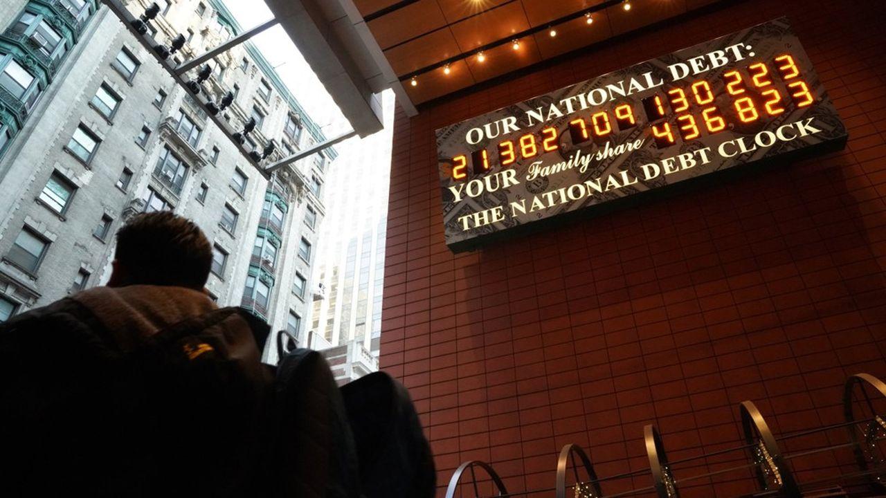 Aux Etats-Unis, en 2019, le taux d'intérêt de la Réserve fédérale est de 1,5% et le déficit public de 5% du PIB.