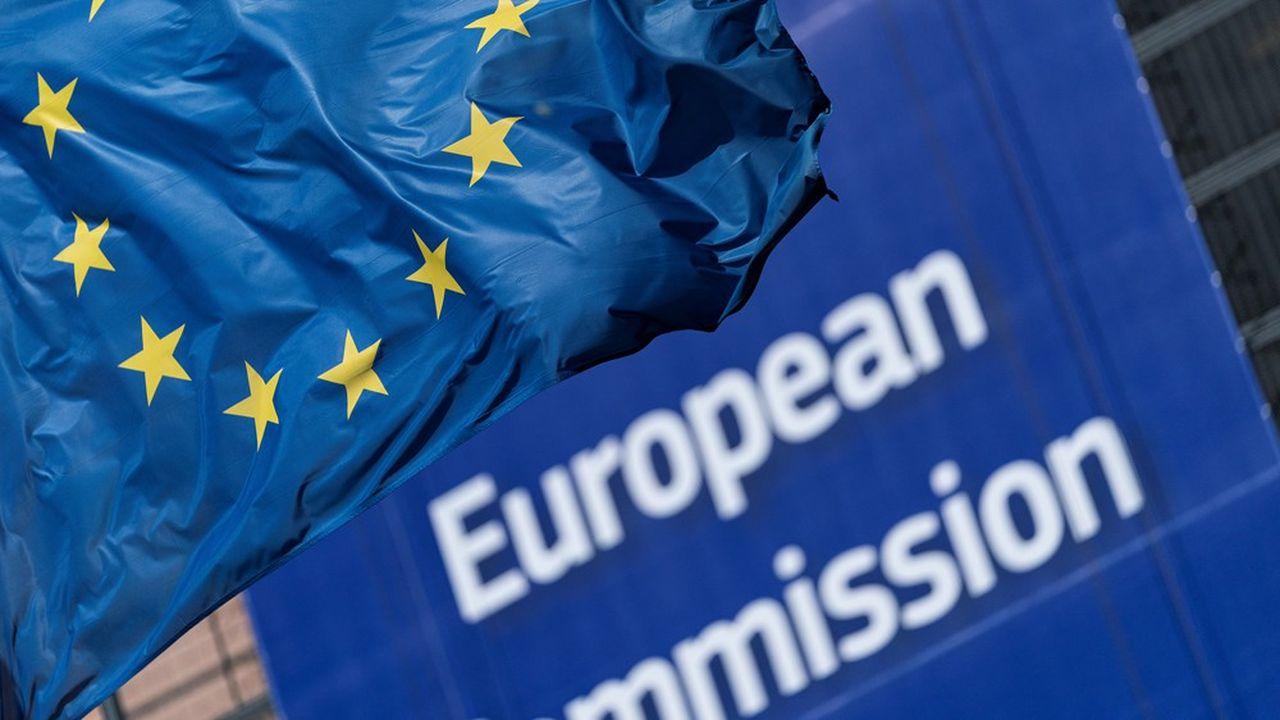 A partir de 2021, de nouvelles règles européennes vont entrer en vigueur, avec pour conséquence une réduction de 0,90% en moyenne de l'exigence en fonds propres «durs» des banques. UniCredit en tiennent déjà compte dans leurs projections.
