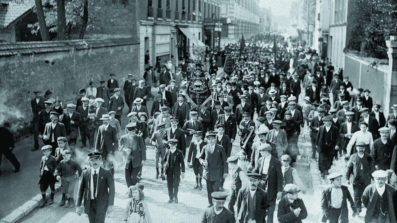 Des migrants italiens s'installent à Puteaux (Hauts-de-Seine) dans les années 1920.