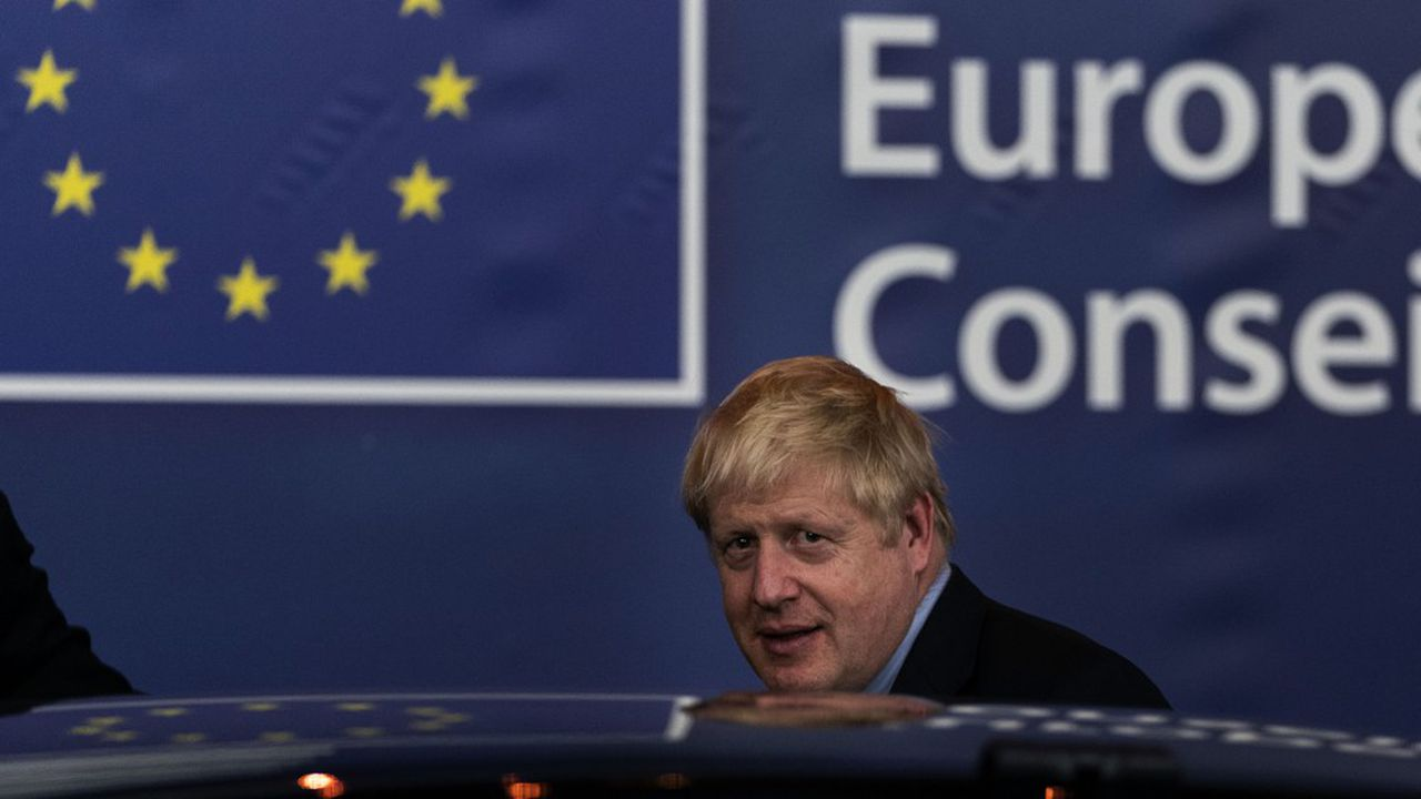 Le Royaume-Uni participera bien au budget pluriannuel en cours et bénéficiera des fonds européens ainsi que de la politique agricole commune.