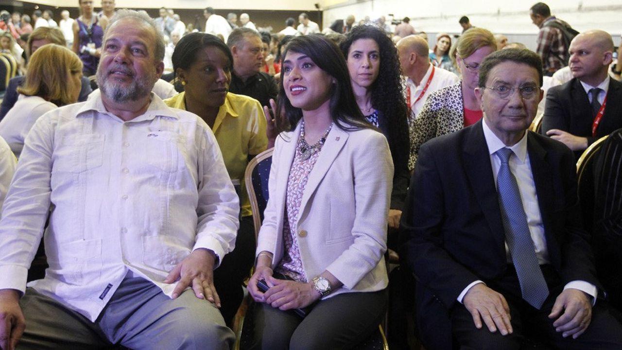 Manuel Marrero, à gauche, 56 ans, était le ministre du Tourisme depuis 2004.