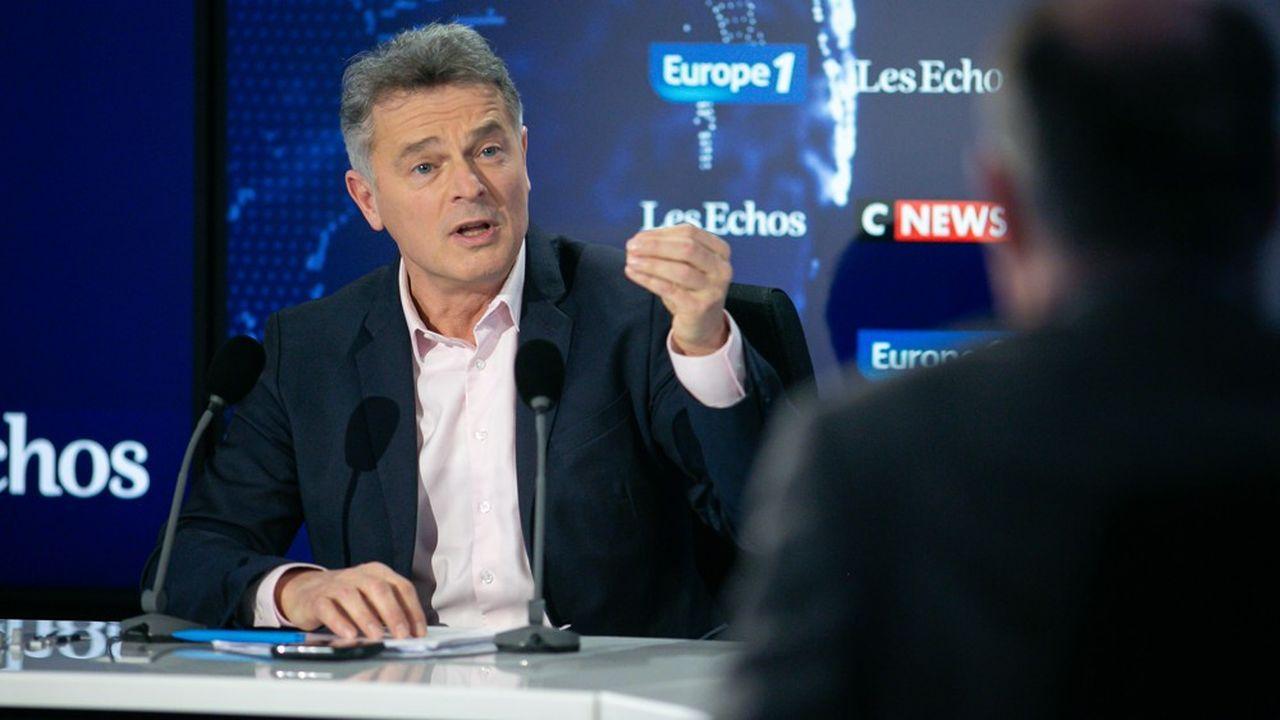 Fabien Roussel approuve les méthodes des grévistes CGT qui revendiquent des coupures de courant.