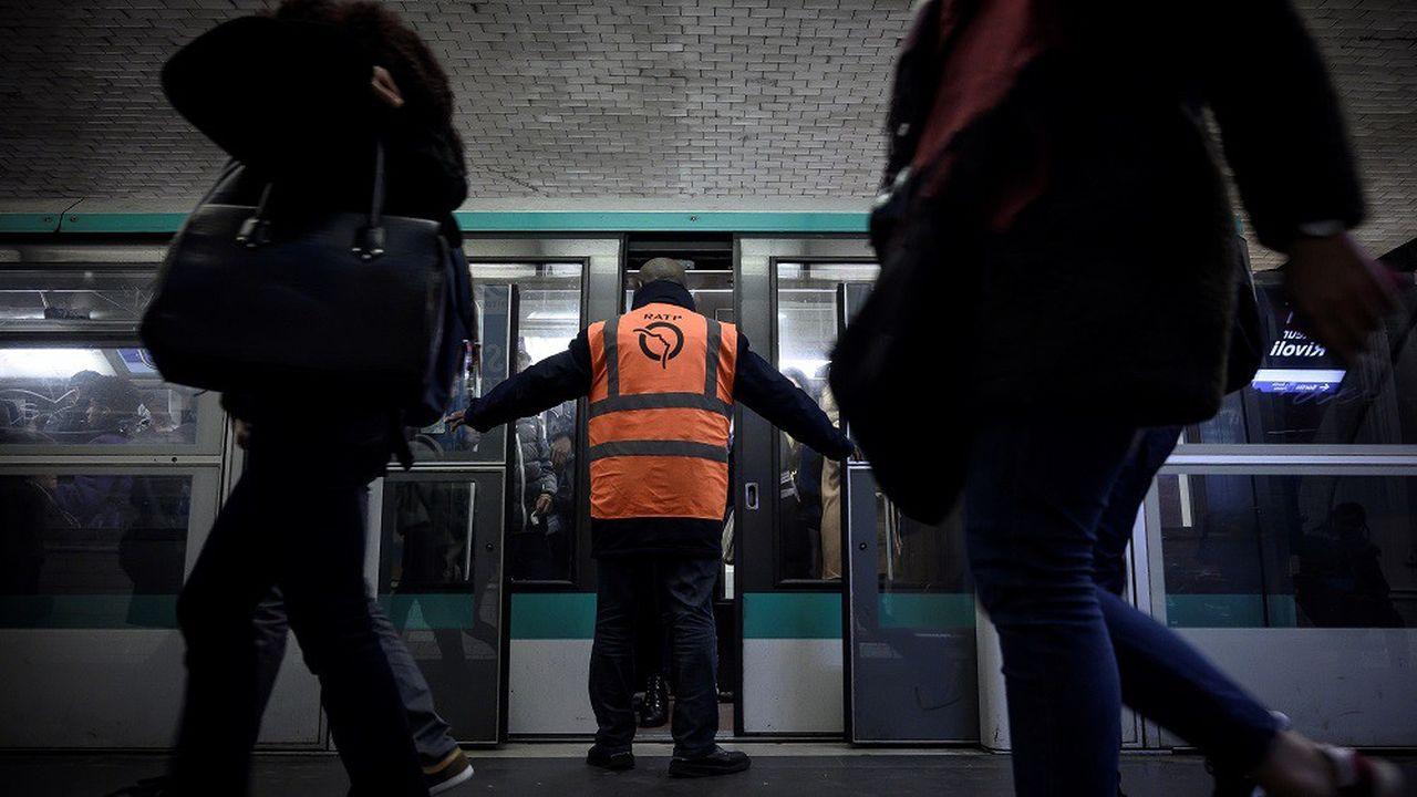 Le trafic RATP va connaître une légère amélioration mais restera très perturbé lundi.