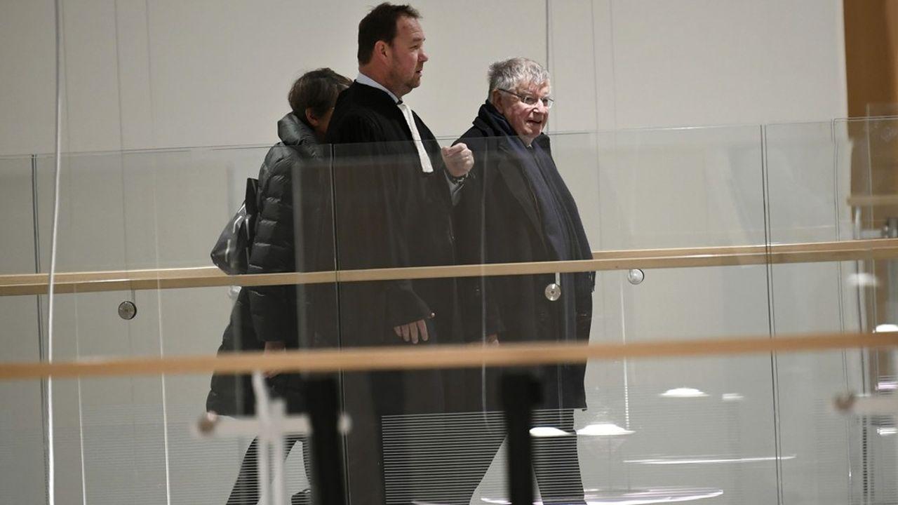 L'ancien PDG de France Télécom, Didier Lombard a été condamné à un an de prison, dont huit mois avec sursis, et 15.000euros d'amende.