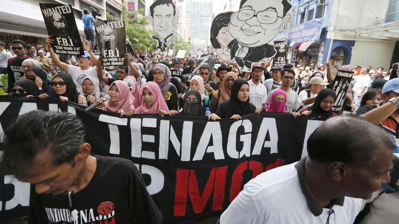 Marche d'étudiants à Kuala Lumpur pour demander l'arrestation d'un dirigeant du 1 Malaysia Development Bhd (1MDB) en août2016.