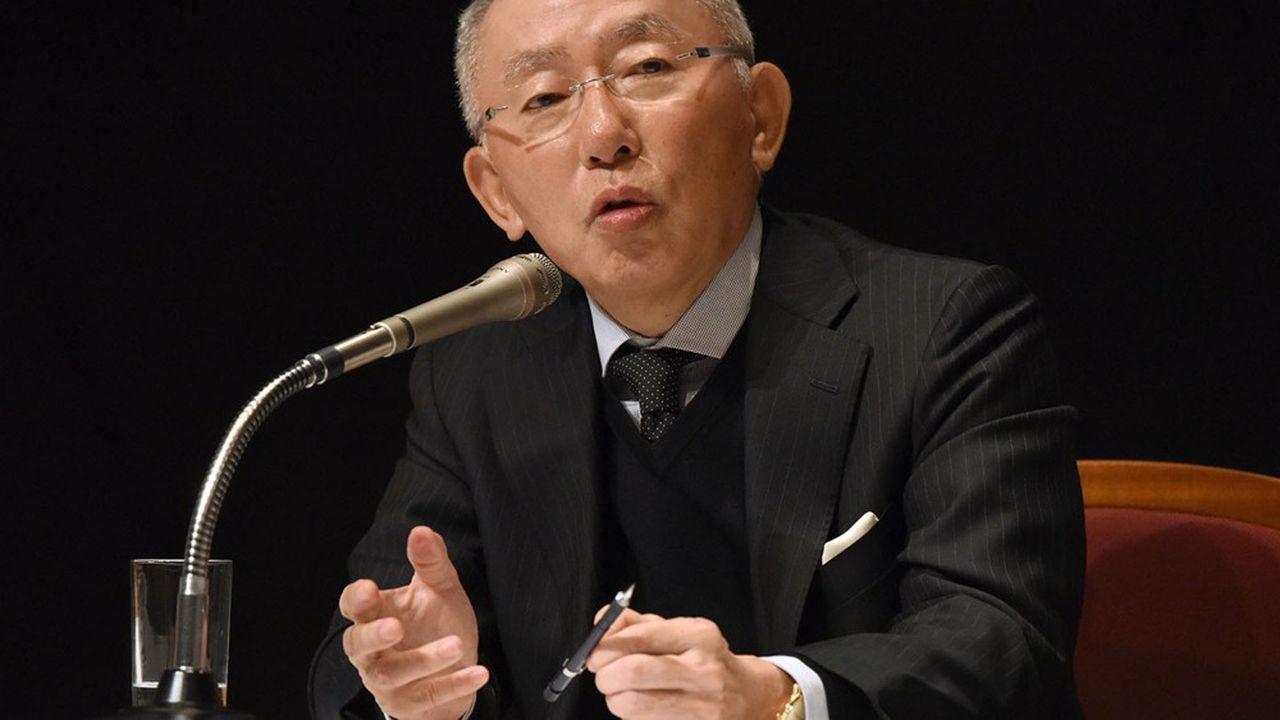 En juin, le patron d'Uniqlo avait prévenu les actionnaires de SoftBank: ils devaient surveiller «Masa» ou celui-ci «deviendra hors de contrôle».