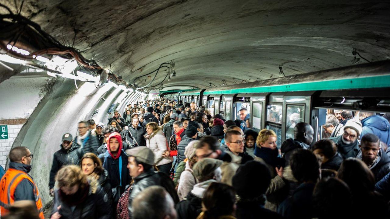 Au total, quatorze lignes de métro fonctionnent normalement ou partiellement ce lundi 30décembre.