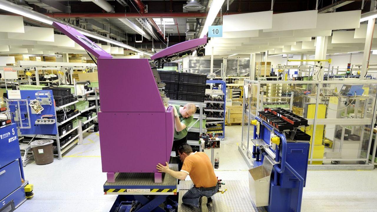 Les PME allemandes peinent à recruter des travailleurs qualifiés. Ici, une unité de production de machines à sous à Paderborn. en Rhénanie-du-Nord-Westphalie.