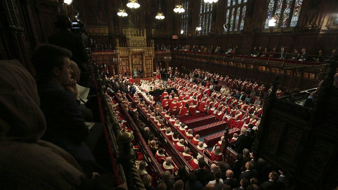 Le palais de Westminster verra très probablement la reine prononcer officiellement le départ du Royaume-Uni de l'Union européenne, fin janvier, un événement géopolitique majeur après 47 ans d'adhésion.