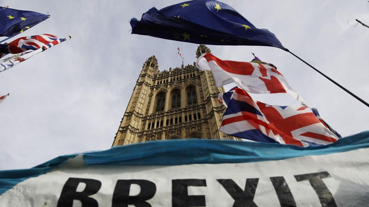 Le Brexit devait initialement avoir lieu le 29mars 2019, trois ans après avoir été voté par une majorité de Britanniques.