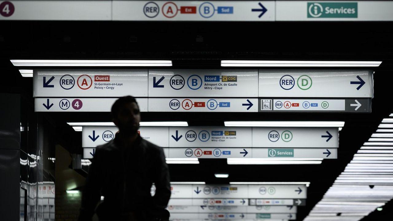 La grève dans les transports a commencé il y a près d'un mois.