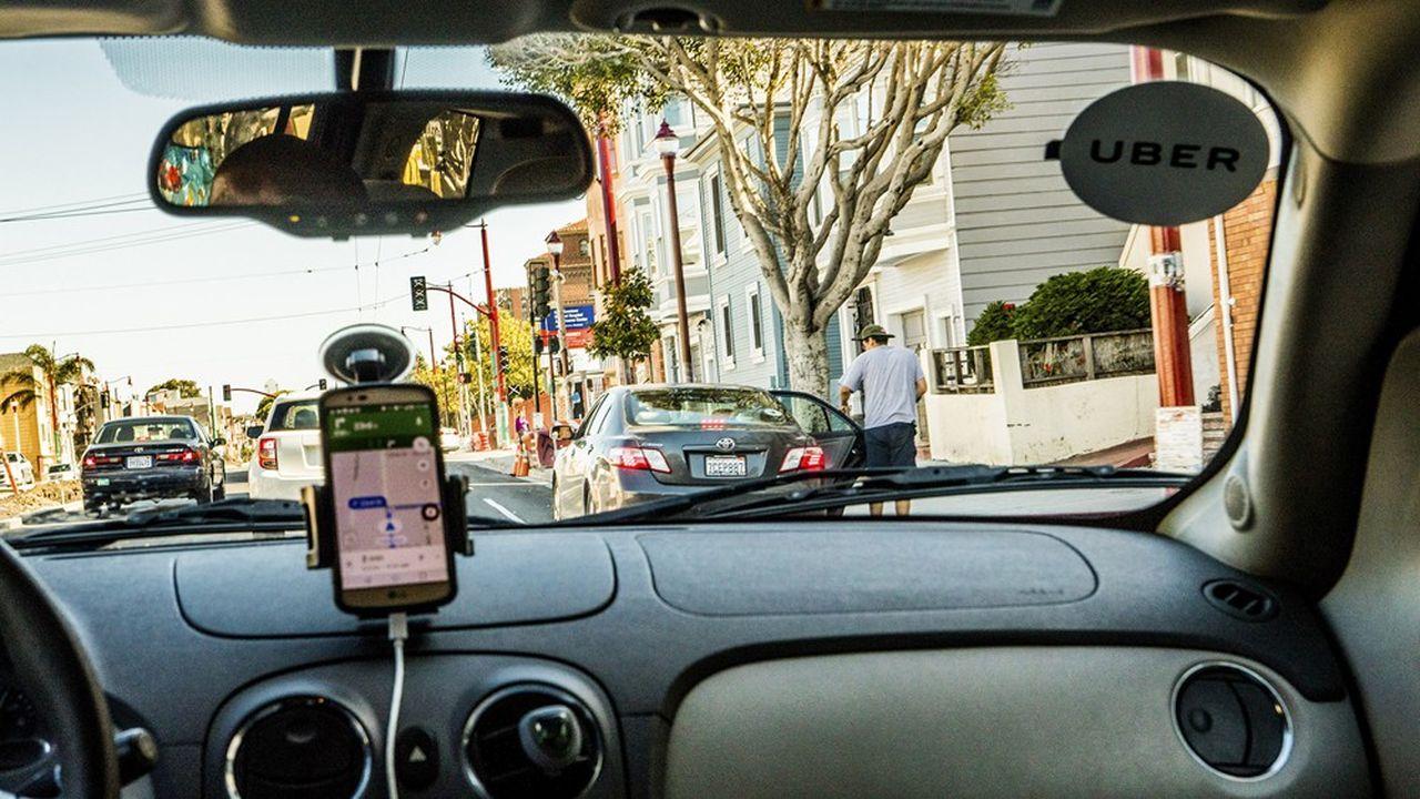 La start-up californienne a rodé son concept en 2010: en faisant appel à des indépendants pour constituer sa flotte de véhicule de tourisme avec chauffeurs (VTC), elle obtient un maximum de flexibilité et un minimum de charges fixes, et peut ainsi tirer les prix vers le bas.