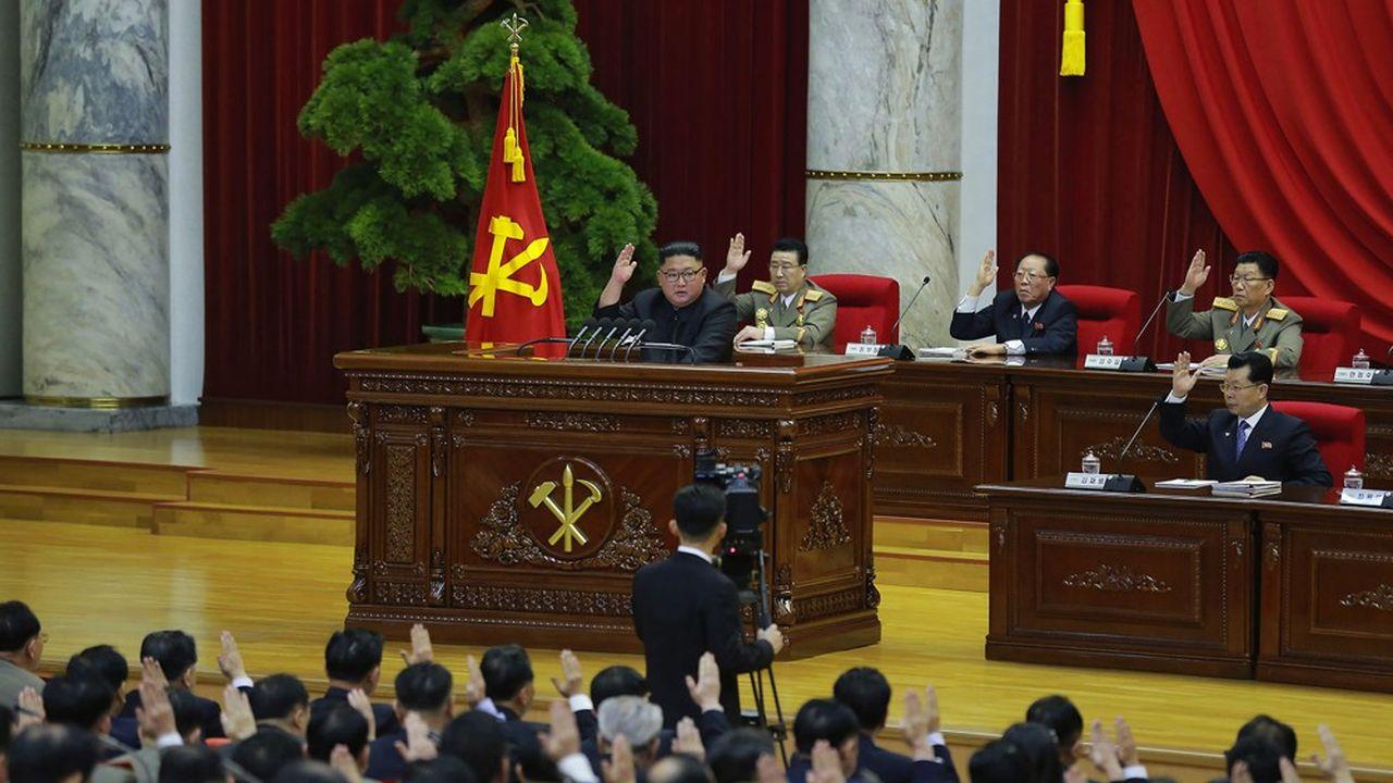 Kim Jong-un a réuni en plénum pendant quatre jours, les dirigeants de son parti. Il leur a exposé sa vision de la relation avec les Etats-Unis et les raisons pour lesquelles il met un terme au moratoire sur le nucléaire.
