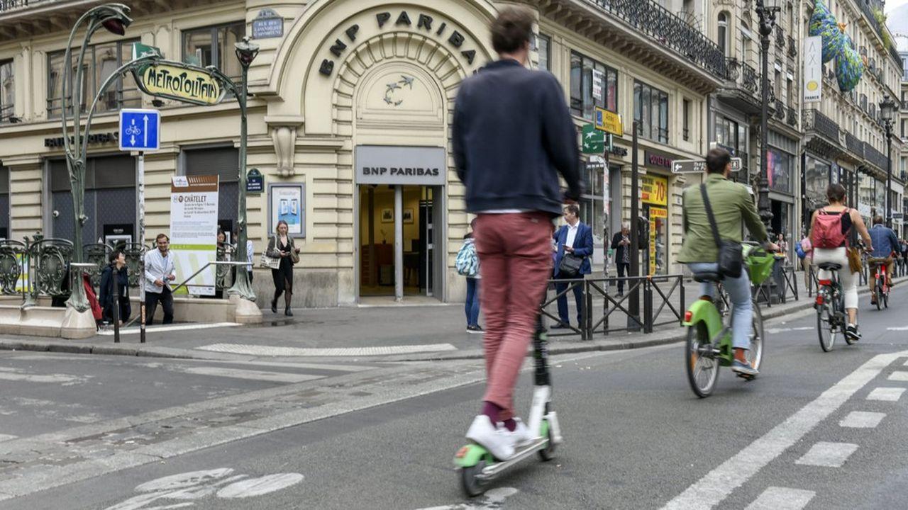 Face aux carences des transports en commun, une armada de nouveaux modes de transport en libre-service a explosé en à peine 5 ans dans la capitale et d'autres grandes villes.