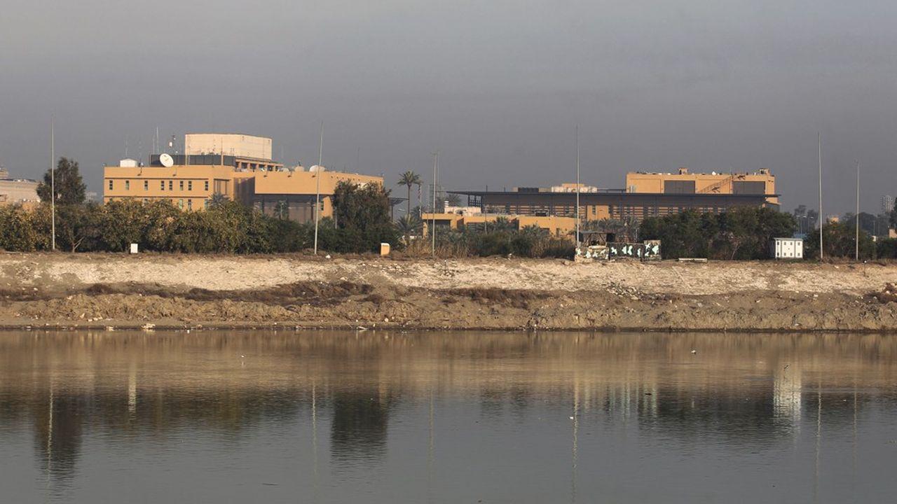 L'ambassade américaine (photo) a déjà été attaquée mardi pardes milliers de combattants et de partisans des pro-Iran en Irak.