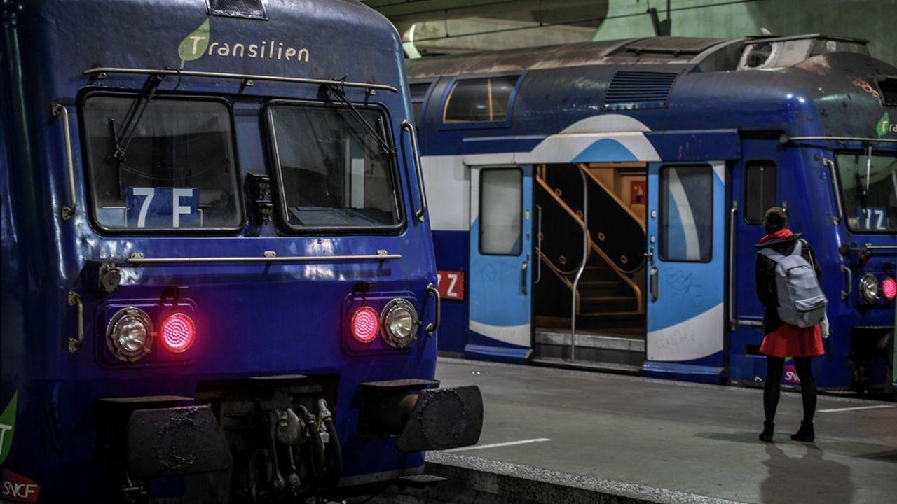 Le trafic ferroviaire s'est nettement amélioré ce lundi en Ile-de-France, avec 1 Transilien sur 2 en circulation, contre 1 sur 5 en moyenne la semaine dernière.