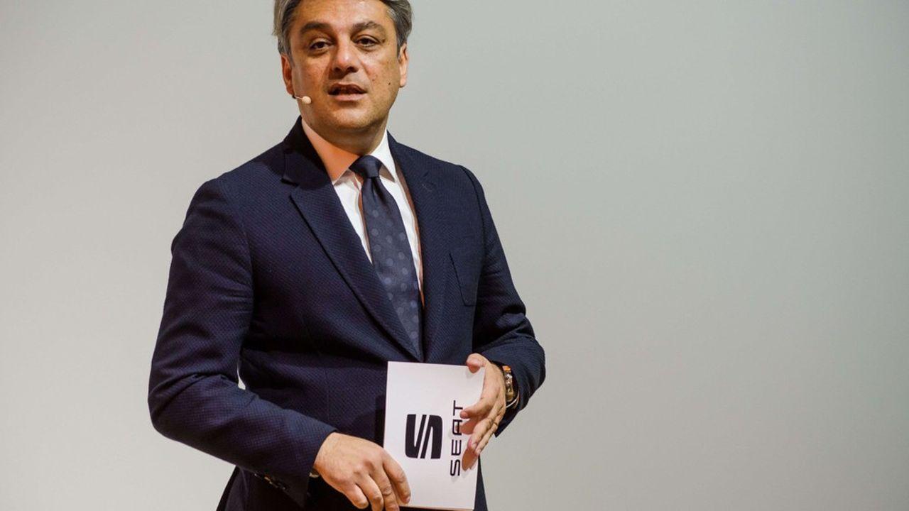 Luca de Meo a effectué toute sa carrière dans l'industrie automobile, avec notamment des débuts chez Renault, après un diplôme de gestion obtenu dans la prestigieuse Université Bocconi, à Milan.