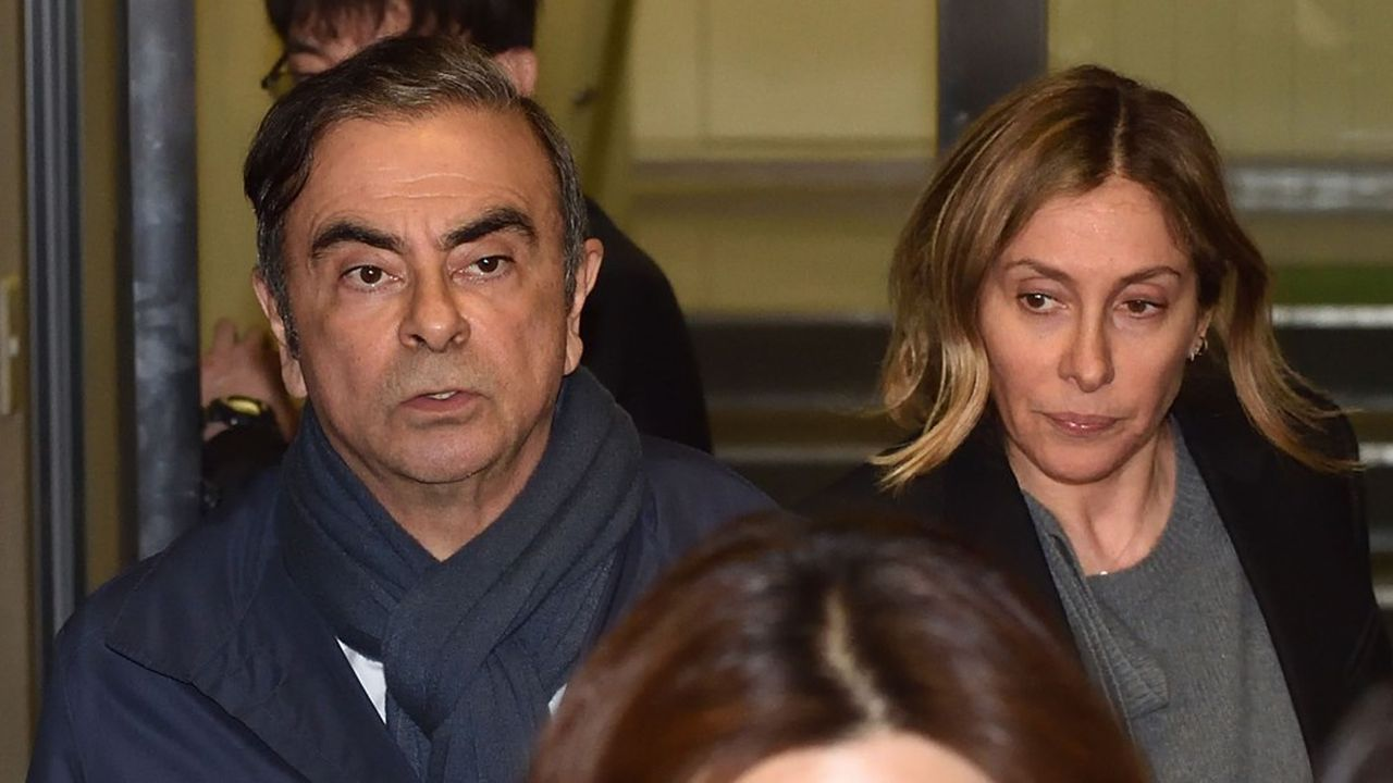 (FILES) Désormais, si Carlos Ghosn ou sa femme qui nient catégoriquement toute malversation, mettent un pied en dehors du Liban ils ont toutes les chances d'être arrêtés.. (Photo by Kazuhiro NOGI/AFP)