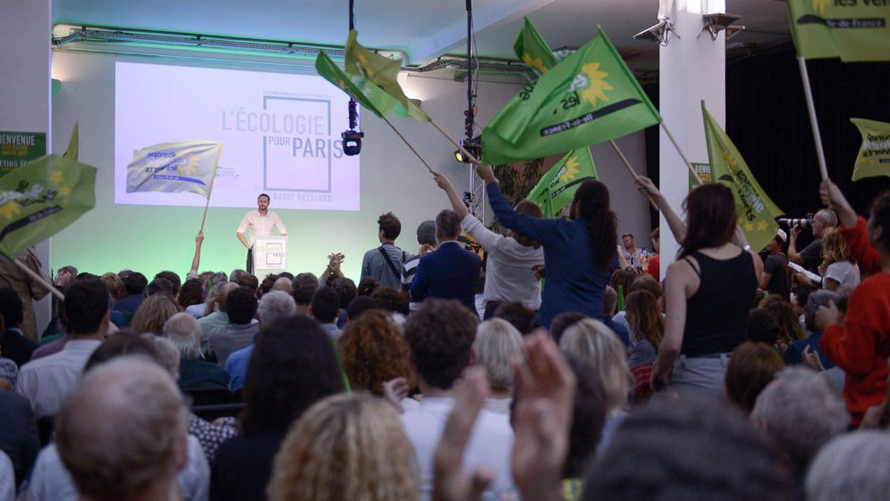 Lors d'un meeting de David Belliard, le candidat d'Europe Ecologie-Les Verts pour les municipales à Paris.