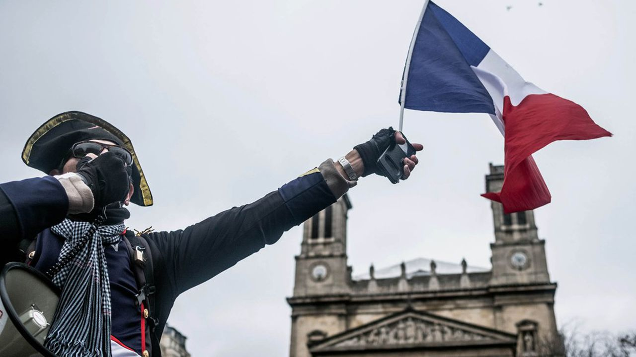 A Paris, le 9 janvier, un manifestant contre la réforme des retraites.