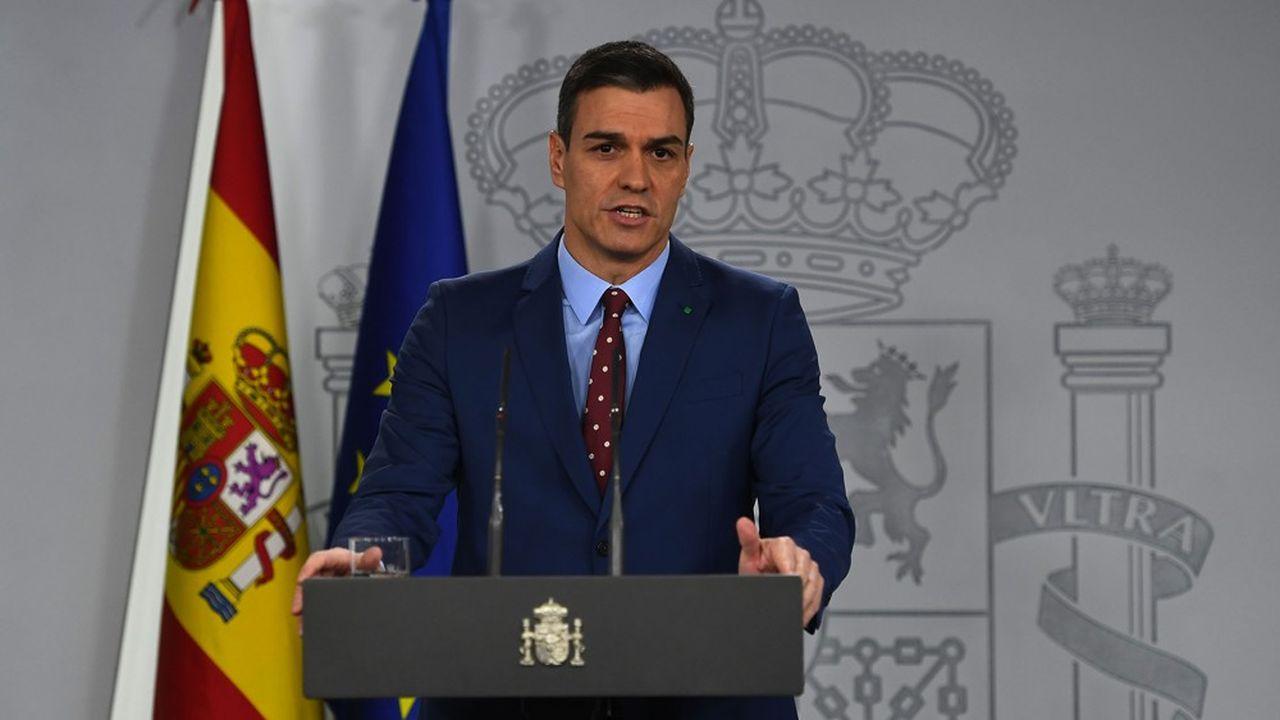 Le nouveau Premier ministre, Pedro Sanchez, a présenté son nouveau gouvernement lors d'une conférence de presse dimanche 12 janvier à Madrid.