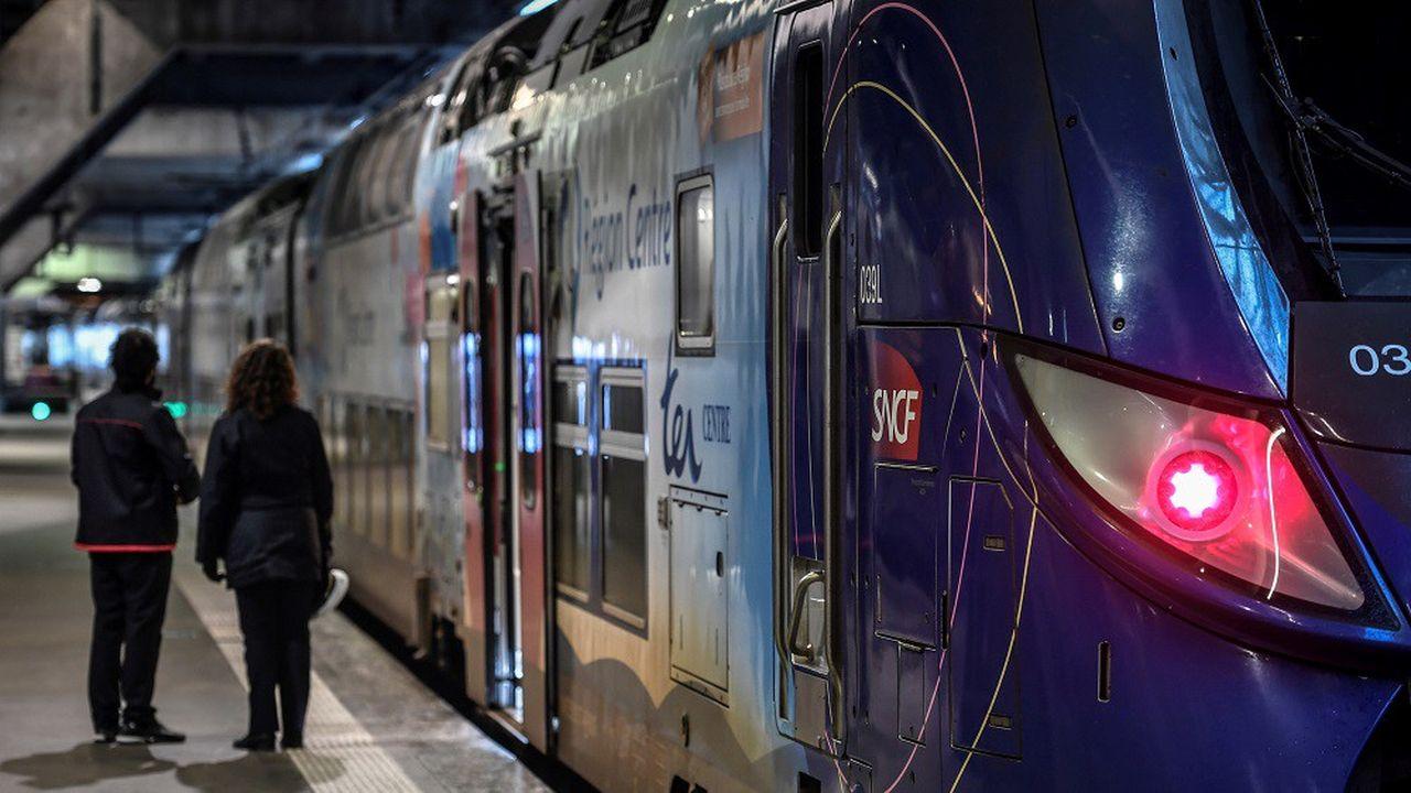 La SNCF prévoir 7 TER sur 10 lundi mais en comptant les cars de substitution.
