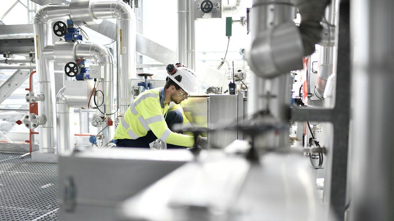 Le pilote produit 30Nm3 (normo mètre cube) de biométhane pour 400kWth et atteint les spécifications requises pour le réseau de distribution ou les carburants.