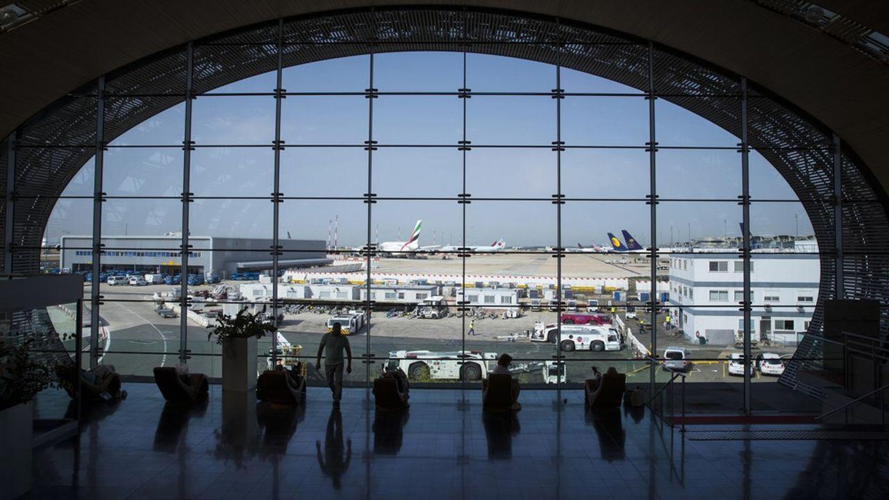 Alors que le trafic de Roissy-CDG a progressé de 5,4%, à 76,2millions de passagers, celui d'Orly a baissé de 3,8% l'an dernier, à 31,9millions de passagers.