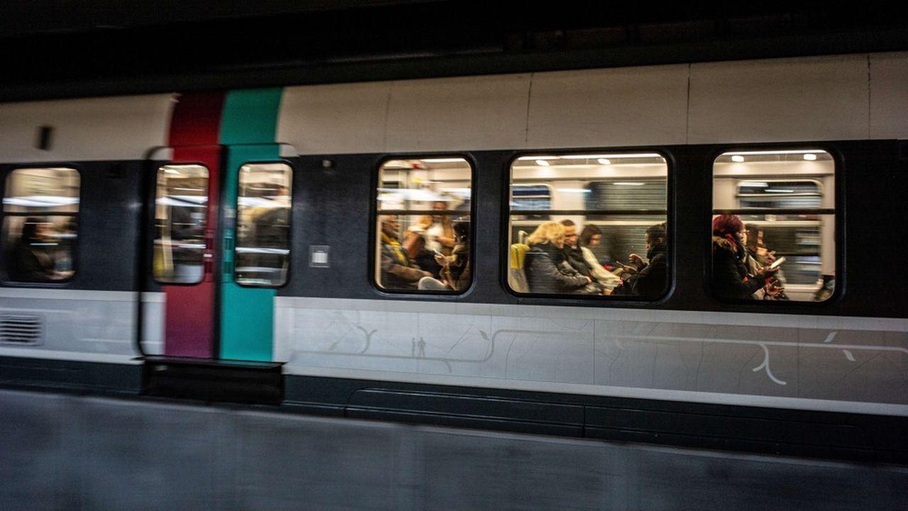 Un RER à Paris.