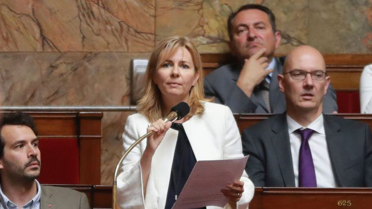 Emilie Cariou, la coordinatrice du groupe En Marche au sein de la commission des Finances de l'Assemblée, appelle à «tenir compte de la crise sociale sans précédent» dans la gestion des finances publiques.