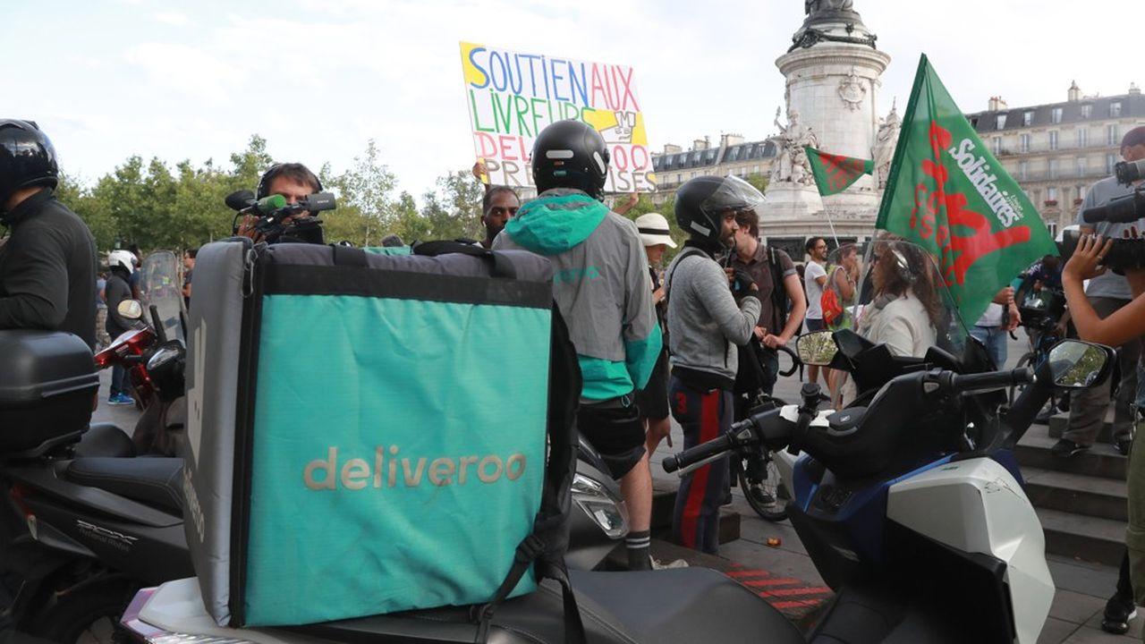 Lors d'une manifestation de livreurs à Paris.