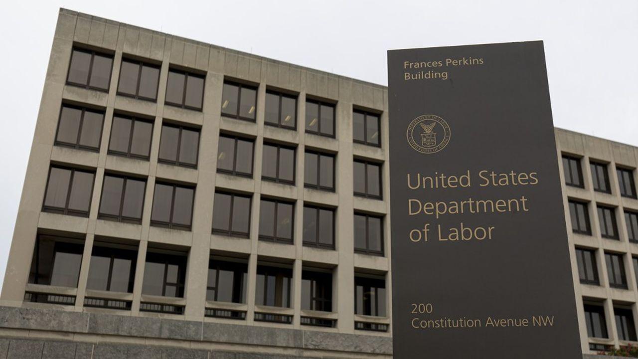 Les chiffres de l'emploi publiés à 8h30 par le département du Travail américain ont souvent un fort impact sur les marchés car la baisse du chômage est un des objectifs de la Réserve fédérale.