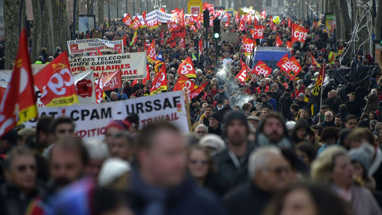 La CGT, FO, la FSU, la CGC et Solidaires appelaient une nouvelle fois ce jeudi à défiler pour exiger le retrait de la réforme des retraites.