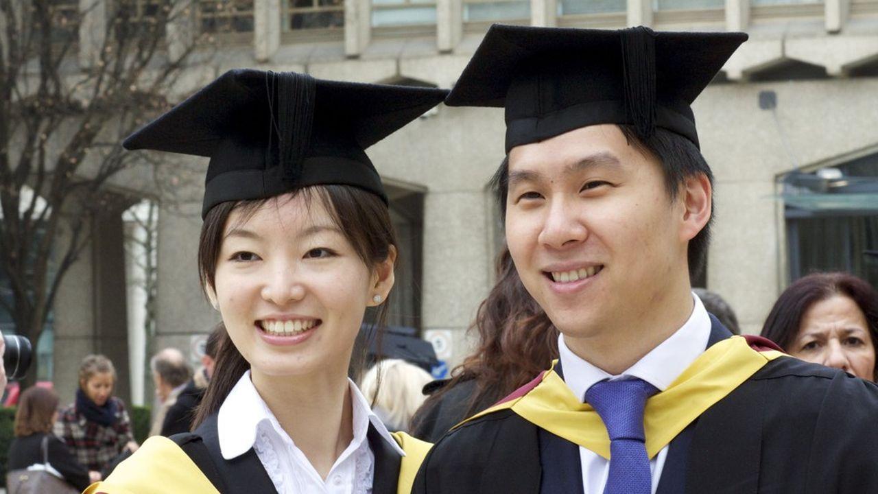 En 2015, les étudiants chinois dans les facultés étaient un peu moins de 90.000 dans les universités britanniques.