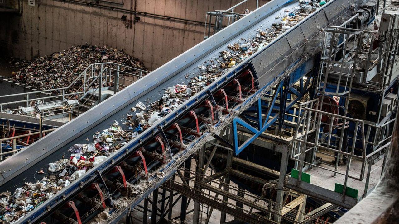 Pourquoi le plastique recyclé devient une denrée rare… et chère
