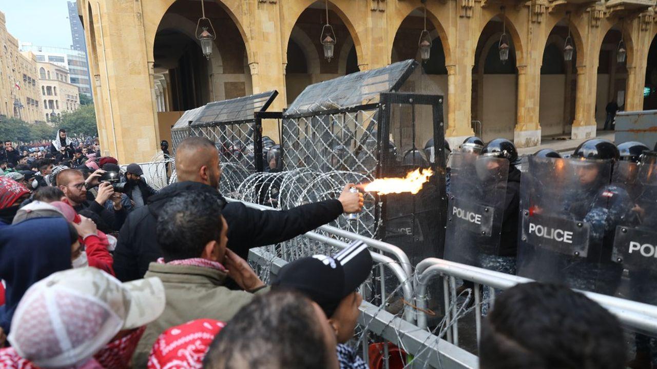 Liban : grosse tension à Beyrouth, une centaine de blessés dans des heurts