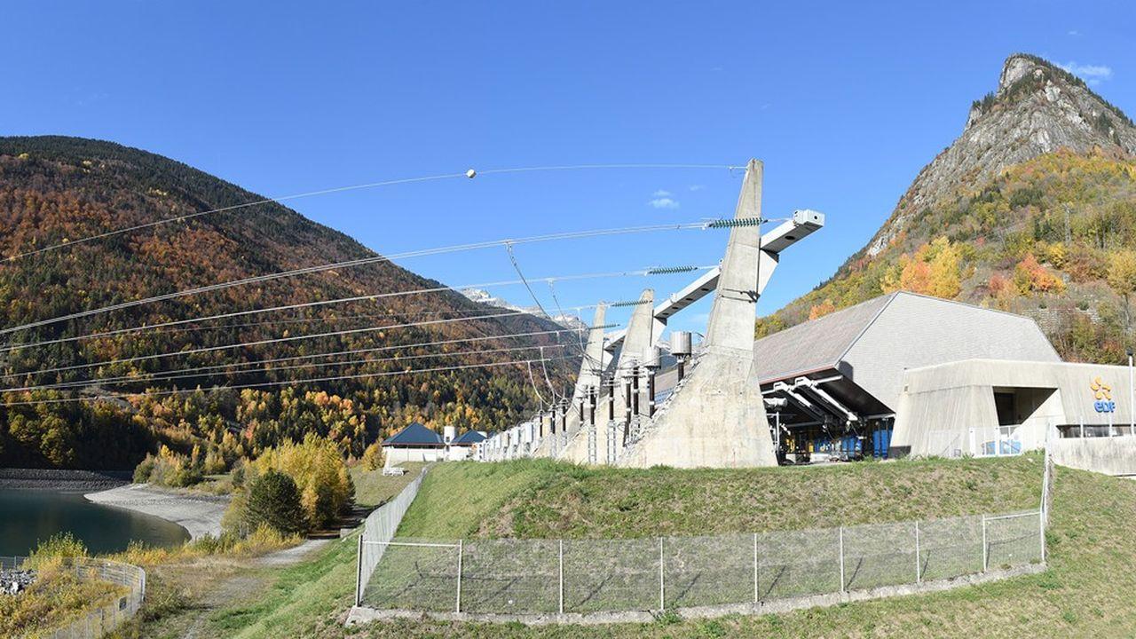 La centrale de Grand'Maison est composée de deux usines qui totalisent 12 groupes d'une puissance installée totale de 1.800 mégawatts.
