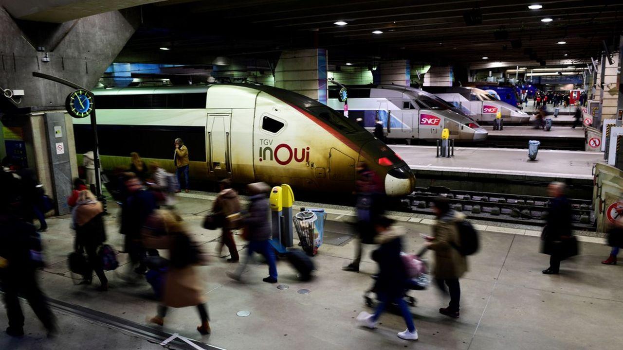 Le trafic TGV a repris normalement lundi, pour la première fois depuis le début de la grève à la SNCF contre la réforme des retraites.
