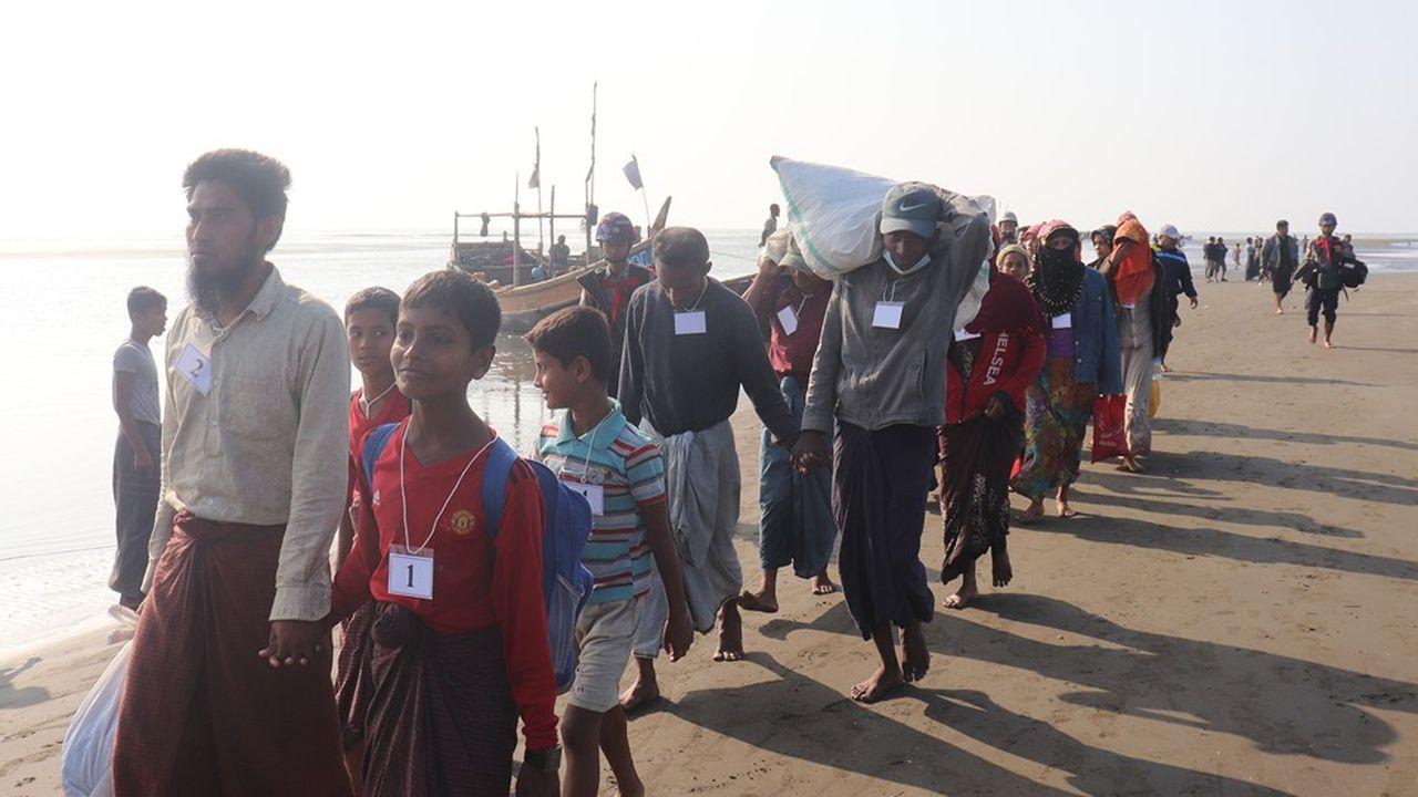 Quelque 900.000 Rohingyas ont été accueillis au Bangladesh après avoir fui la Birmanie, chassés par les militaires et la population.
