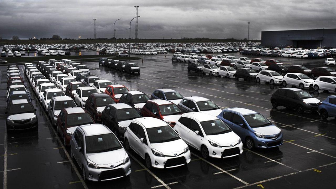 Toyota est la seule marque, parmi les 10 premières du marché français, à être déjà dans les clous: les voitures qu'elle a immatriculées l'an dernier affichaient une moyenne d'émission de CO2de 94 grammes par kilomètre.